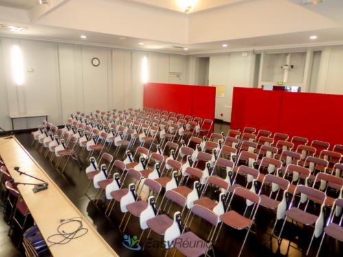 Salle de séminaire ou de conférence avec estrade - Cedias